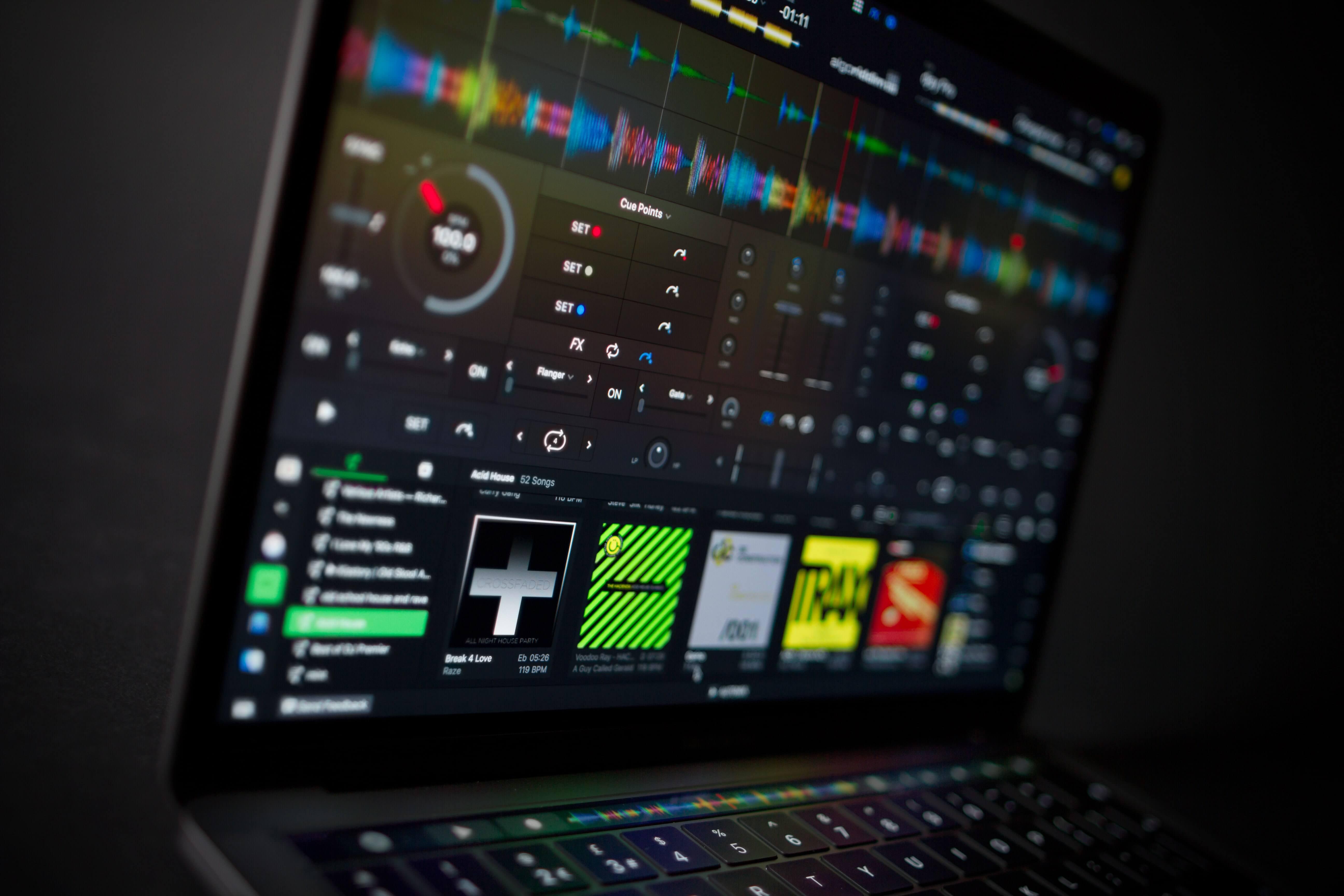 djay Pro 2 de Algoriddim intègre Spotify et l'intelligence artificielle